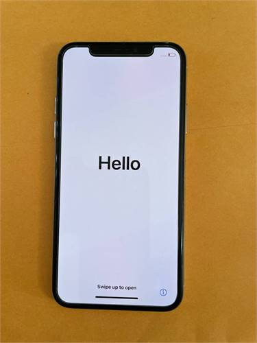 iPhone X - Silver, Excellent Condition    (831) 601-6797