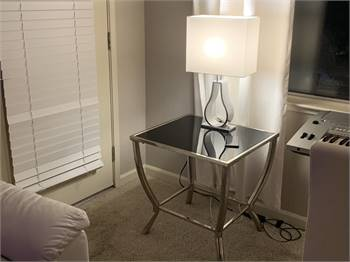 SET OF LIVING ROOM COFFEE TABLE AND LAMP STANDS