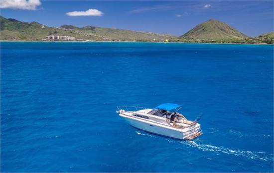 PRIVATE BOAT CHARTERS FROM KOKO MARINA ON THE SOUTH SHORE OF OAHU