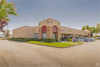 FOR LEASE- unit perfect for retail or office located in busy area (Sacramento, CA)