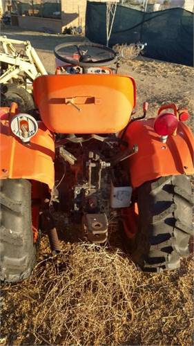 Tractor for sale call 562 637-5044