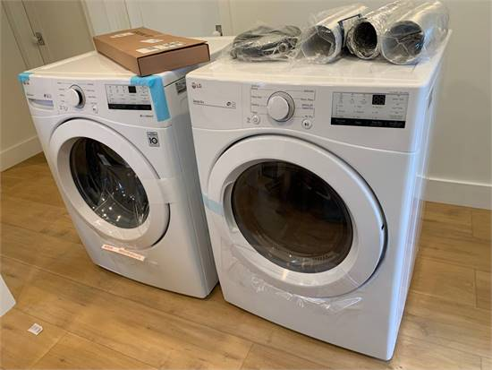 New LG Washer & Gas Dryer