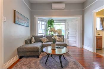1br - 800ft2 - High Ceiling, Cozy large Apt. Walk to Gold Line