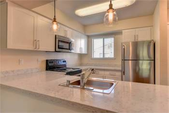 1br - 654ft2 - 1 Bedroom Available Now - Washer/Dryer
