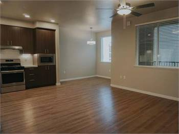 ONE BEDROOM ONE BATH! AVAILABLE NOW!